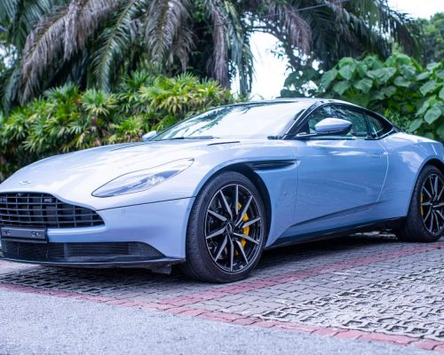 Aston Martin-DB11018